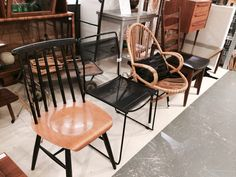 Mix&match your vintage dining chairs  www.sandervaneyck.nl