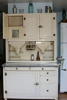 build design into kitchen cabinets -work station Hoosier cabinet; build design into kitchen cabinets -work station Vintage Kitchen Cabinets, Vintage Appliances, Old Cabinets, Old Kitchen, Kitchen Cupboards, Kitchen Ideas, Rustic Furniture, Vintage Furniture, Vintage Decor