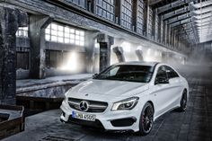 2014 Mercedes-Benz CLA250 Edition 1