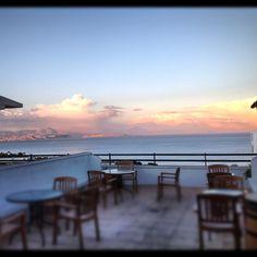 Puesta de sol en la terraza.. Celestial, Sunset, Outdoor, Sunsets, Polka Dots, Terrace, Flamingo, Outdoors, Outdoor Games