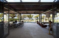 Decoração da casa de praia em Trancoso com projeto da arquiteta Débora Aguiar  (Foto: Marco Antonio / Divulgação)