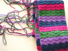 NO ends to weave in at the end of a project! It sounds dreamy and somehow hard to believe. How can this be done? Believe it or not, there are ways to save hours in weaving in ends when a project is done and this is one of them. This HOW TO save hours weaving …