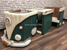 The idea is to join this recycled wood pallet furniture to use as a decor purpose since it givesVW Campervan look and place apart at a distance to make it a utility item with two chairs and a table serving its very purpose.