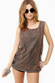 nasty gal. knotted cross tank. #fashion