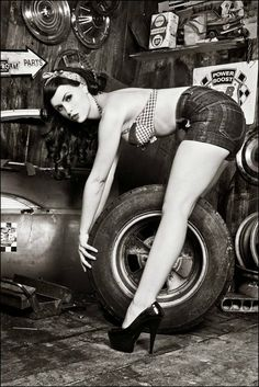 Pin Up in the garage// love black and white