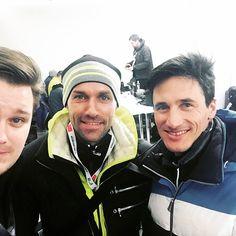 W poniedziałkowym #JeszczeWięcejSportu w #TOKFM m.in. eksperci EuroSport Martin Schmitt i Sven Hannawald oraz Adam Widomski. Zapraszamy! #radio #sport #słuchajcie #skoki #TOKFM