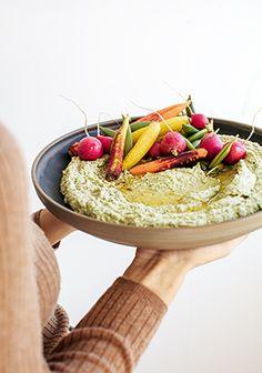 Hummus with roast vegetables. No Cook Meals, Kids Meals, Fox Food, Hummus Ingredients, Confort Food, Vegetarian Recipes, Healthy Recipes, No Salt Recipes, Food Platters