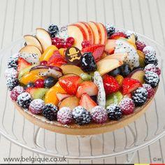 Decoration With Fresh Fruit Cake cakepins.com Fresh Fruit Tart, Fruit Cake Design, Fresh Cream, Mixed Fruit, Tea Cakes, Buttercream Cake, Celebration Cakes, Catering, Cake Recipes