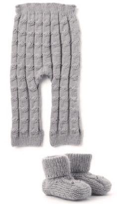 Штанишки и пинетки для девочки, вязаные спицами