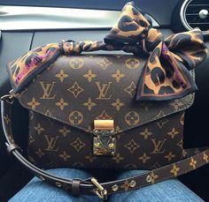 Louis Vuitton Handbags Pochette $196 For 2015 Womens Fashion, Cheap LV Handbags Free Shipping And Save 50%, Shop Now! #Louis #Vuitton #Handbags