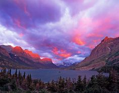 size: Photographic Print: Spectacular Sunrise over Wild Goose Island in Glacier National Park, Montana, USA by Chuck Haney : Beach Landscape, Landscape Photos, Glacier National Park Montana, Sunrise Painting, Ways Of Seeing, Best Photographers, Nature Photography, Photography Tips, National Parks