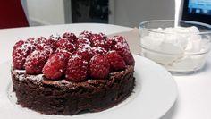 Dette er en no-brainer, spør du meg. No Bake Cake, Cake Recipes, Raspberry, Sweet Tooth, Food And Drink, Sweets, Cookies, Baking, Fruit