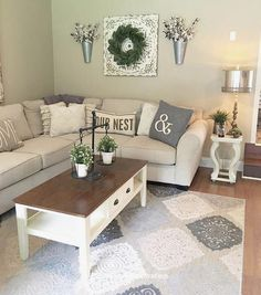 Catchy Farmhouse Living Room Decor Ideas That Make You Feel In French Country Living Room, Country Farmhouse Decor, Farmhouse Style Kitchen, French Cottage, Farmhouse Homes, My Living Room, Living Room Decor, Small Living, Modern Living
