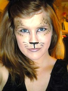Super easy leopard makeup look for Halloween. Use black paint for the nose. Use gold eyeshadow around the eyes and then take a fine-line black liquid liner and make little 'c's and circles inside the gold shadow. In case I ever dress up as a Leopard :) Cheetah Face Paint, Cheetah Makeup, Lion Makeup, Kitty Face Paint, Cool Halloween Costumes, Halloween Kids, Halloween Face Makeup, Make Up Looks, Cheetah Costume