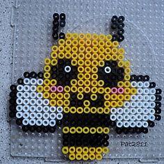 Bee hama perler by Les loisirs de Pat