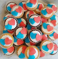 I don't just draw I also bake. These were made last year for a charity event celebrating the queens 90 birthday. Red white and blue themed. Chocolate and vanilla.  #fairycakes #minicupcake #charitybake #queens90th #redwhiteblue #lovetocreate #chocolate #yummy😋 #baker #30cakes