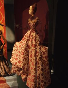 Dress by Bruyère.Photo by M. Wilds/denisebrain. Le Théâtre de la Mode