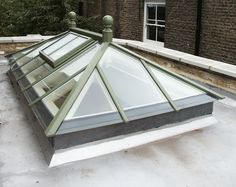 Increase natural light into your home with an aluminium or timber roof lantern. Large selection of roof lanterns to suit any project. Pergola With Roof, Pergola Shade, Patio Roof, Pergola Plans, Pergola Kits, Pergola Ideas, Covered Pergola, Orangerie Extension, Orangery Extension Kitchen