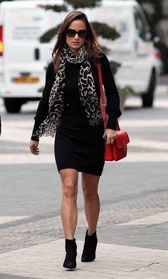 5122d6aff4b Pippa Middleton street style Kate And Pippa