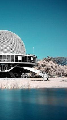 """Planetario """"Galileo Galilei"""" en el Barrio de Palermo de la ciudad de Buenos Aires, Argentina."""