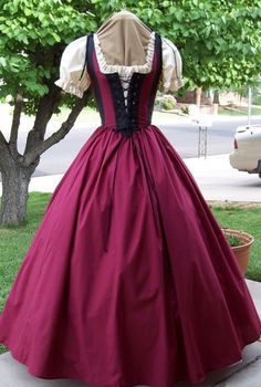 Renaissance Pirate Maiden Wench Gown Dress by thewencheswardrobe