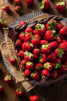 Raw Red Organic Strawberries - Raw Red Organic Strawberries Ready to Eat