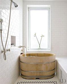 Japanese soaking tub in Bette Midler's bathroom