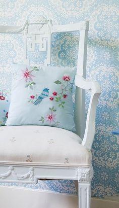 Chic Bird-Themed Home Decor Ideas