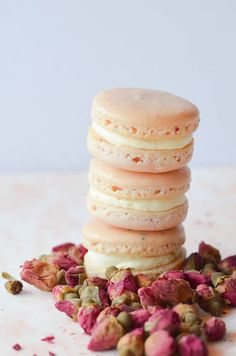 Rose and vanilla macarons