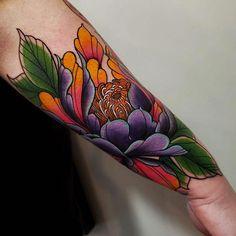 Forarm Tattoos, Rose Tattoos, Body Art Tattoos, Flower Tattoos, Cuff Tattoo, Piercing Tattoo, Piercing Implant, Japanese Flower Tattoo, Japanese Flowers