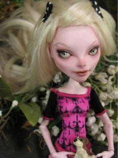 OOAK Custom Monster High Repaint by Nickii Rose   eBay