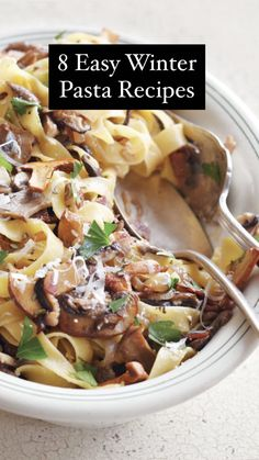 8 Easy Winter Pasta Recipes Whole Wheat Spaghetti, Whole Wheat Pasta, Autumn Pasta Recipes, Lamb Pasta, Vegetarian Recipes, Cooking Recipes, Steak And Mushrooms, Broccoli Pasta, Salad Topping