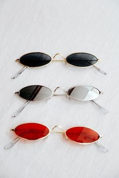 Sunglasses are the key to wearing accessories. Metal picture frame and ellipse cat eyes sunglasses. Classy casual vintage fashion outfits. #summerstyle #fallfashion #winterfashion #streetstyle #sunglasses