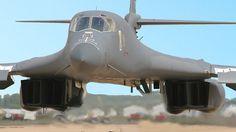 O Monstruosamente Poderoso Bombardeiro dos EUA em Ação: Rockwell B-1 Lancer