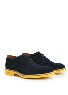 Latest trends in men's casual or elegant footwear: Oxford shoes, ankle boots, moccasins, deck shoes or sneakers. Mango Shoes, Men's Fashion Brands, Me Too Shoes, Oxford Shoes, Dress Shoes, Lace Up, Man Shop, Mens Fashion, My Style