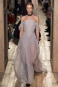 Valentino Fall 2016 Couture Fashion Show - Irina Liss (Supreme)
