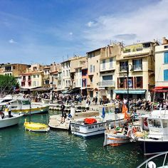 The port of Cassis in the South of France @ C'est la vie guide