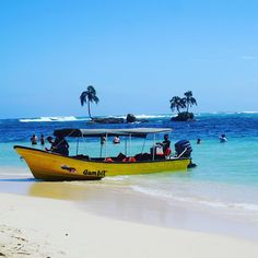 Sharing another shot of Cayó Zapatilla in Bocas del Toro, Panamá! Isn't this place just beautiful? That water is so blue!