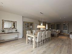 Landelijk interieur • woonkamer • www.livingwood.be #livios.be