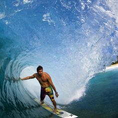 Photo of the Day: Joel Centeio, Backdoor.  Photo: Noyle  #surfer  #surferphotos  @joelcenteio @zaknoyle #Padgram