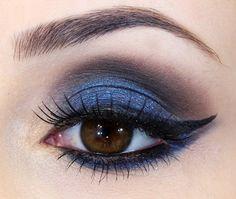 Maquiagem azul marcante - Jana Sempre Glamour