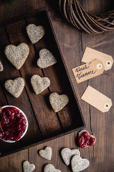 Makové linecké srdiečka - The Story of a Cake Cookies, Breakfast, Cake, Food, Basket, Crack Crackers, Morning Coffee, Biscuits, Kuchen