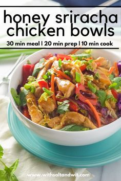 Honey Sriracha Chicken Rice Noodle Bowls~ filled with chicken and stir fried vegetables, smothered in a sweet and spicy sauce; all over a big bowl of rice noodles! Best Chicken Recipes, Healthy Chicken, Asian Recipes, Healthy Recipes, Healthy Weeknight Dinners, Healthy Meal Prep, Healthy Cooking, Chicken Rice Noodles, Zucchini Noodles