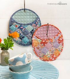 This FREE potholders pattern in the new Tilda Birdpond is perfect for taking the heat in the kitchen! Potholder Patterns, Potholders, Sewing Tutorials, Sewing Projects, Arabesque, Hanging Chair, Scissors, Couture, Retro