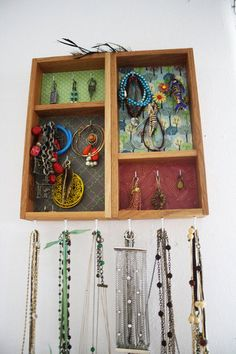 Displaying Jewelry
