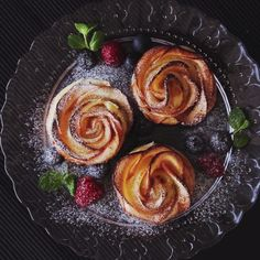 Spple rose pastries