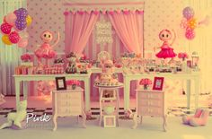 Girly Circus Party.  I love the backdrop!
