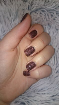 Sparkling nails   winter nailstyle