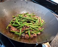 Chinese Spicy Green Beans with Minced Pork ~ Take Out Styl Chinese Green Beans, Pork And Green Beans, Stir Fry Green Beans, Ginger Green Beans, Pork Recipes, Veggie Recipes, Asian Recipes, Chinese Recipes, Mince Recipes