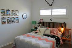 Boys bedroom mini makeover / orange black green chevron / pallet